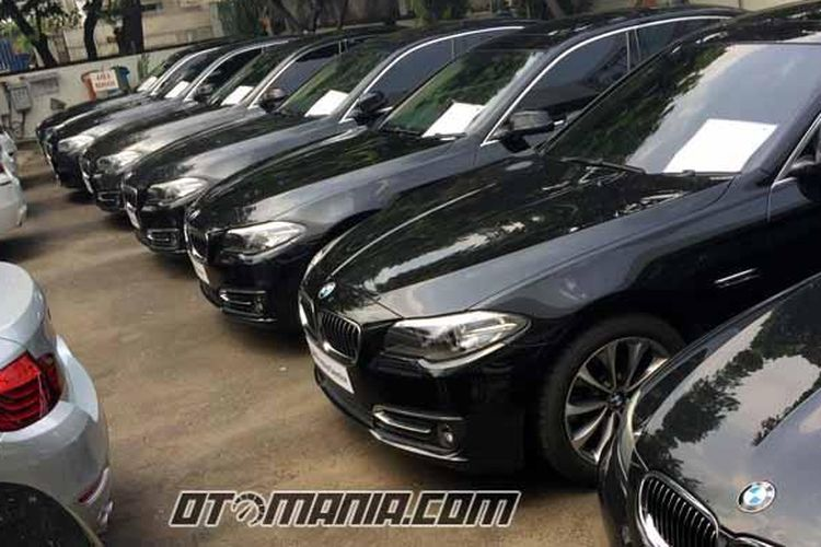 Unit yang dijual di diler mobkas BMW, Astra Autoprima di Sunter, Jakarta Utara.