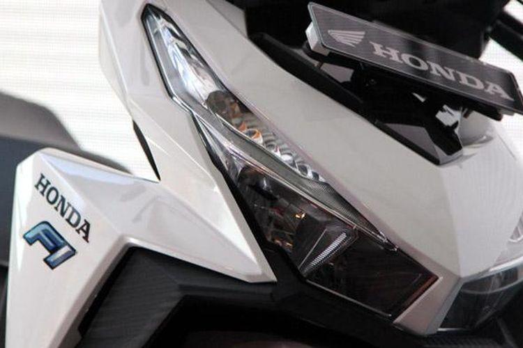 Lampu dua keen eyes dengan karakter tajam menjadi ciri khas baru yang paling signifikan.