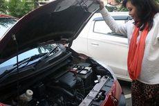 Cek Kondisi Mesin Mobil Bisa Dilakukan Sendiri