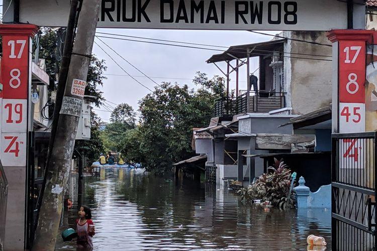 Banjir di Periuk Damai Kelurahan Periuk Kota Tangerang, Kamis (6/2/2020)