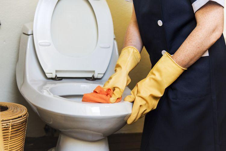 Membersihkan kloset juga bisa dilakukan dengan memanfaatkan bahan dapur.
