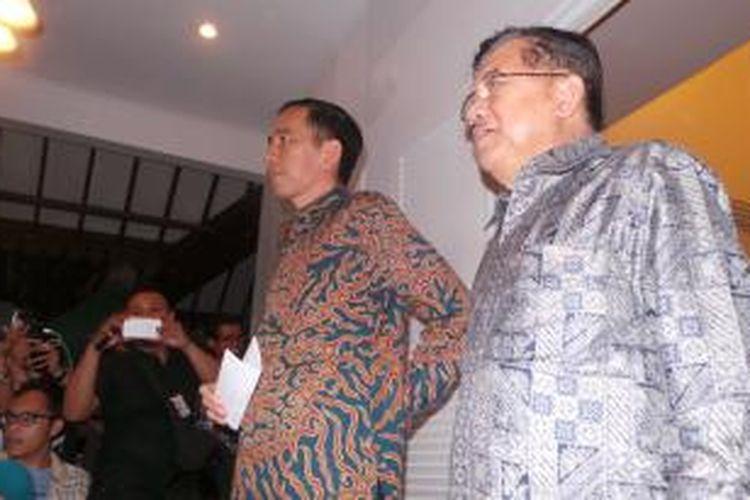 Presiden terpilih Joko Widodo-Jusuf Kalla mengumumkan postur kabinet di Kantor Transisi, Jalan Situbondo, Meneng, Jakarta Pusat, Senin (15/9/2014) petang.