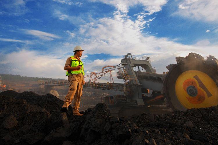 Aktivitas tambang batu bara di PT. Bukit Asam Tbk