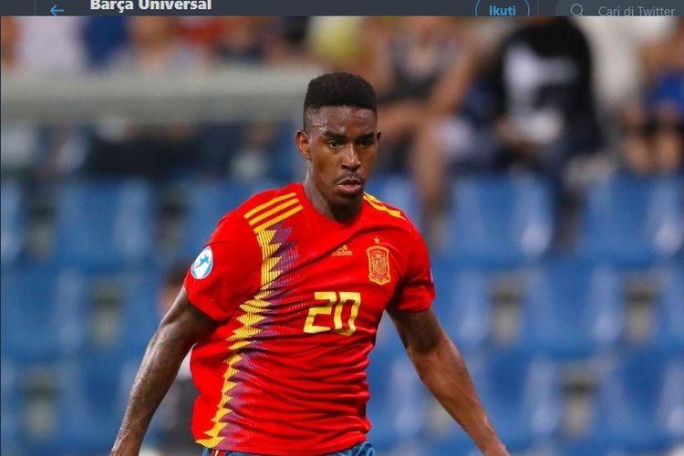 Bek sayap timnas U-21 Spanyol, Junior Firpo, selangkah lagi menjadi pemain Barcelona.
