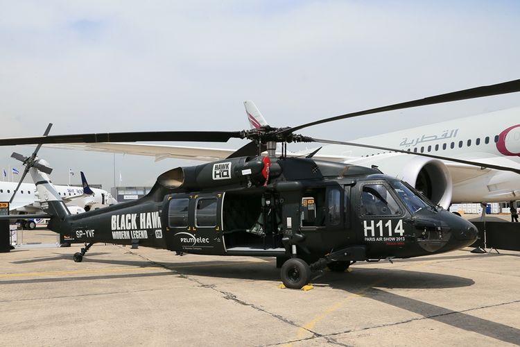 Helikopter S-70 Black Hawk buatan pabrikan AS, Sikorsky Aircraft.