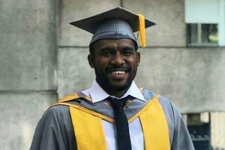 Simon Tabuni, pemuda Papua yang berhasil memperoleh beasiswa LPDP untuk menempuh studi lanjut di SOAS, University of London.