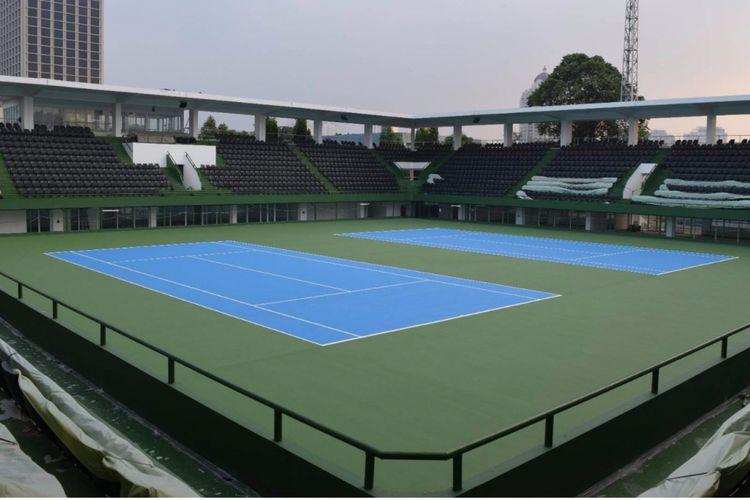 Lapangan tenis GBK.