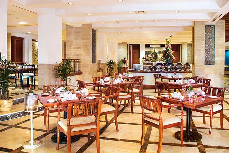 Restoran di The Media Hotel Jakarta.