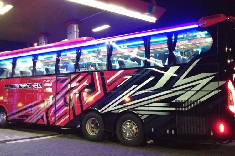 Bus AKAP baru PO Sudiro Tungga Jaya