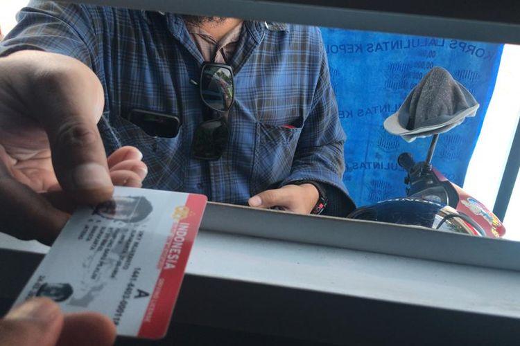 Perpanjangan SIM di Angkringan Drive Thru
