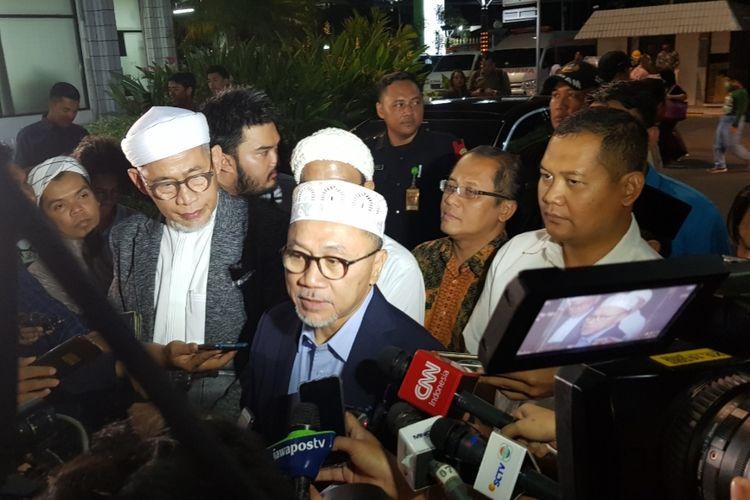 Zulkifli Hasan di RSPAD Gatot Subroto saat menyampaikan belasungkawa atas wafatnya Presiden RI ke-3 BJ Habibie, Rabu (11/9/2019).