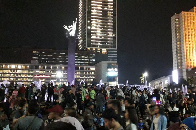 Suasana Bundaran HI pada malam tahun baru, Senin (31/12/2018).