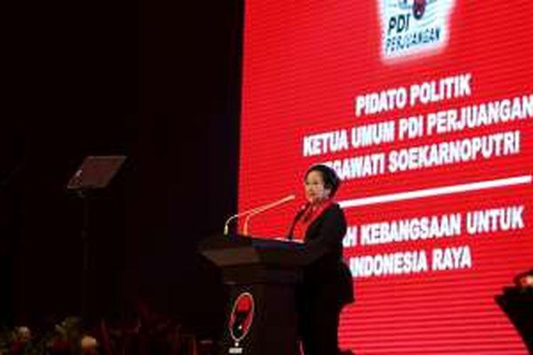 Ketua Umum PDI Perjuangan, Megawati Soekarnoputri memberi sambutan saat peringatan HUT Ke-44 PDI Perjuangan di Jakarta Convention Center, Selasa (10/1/2017). Peringatan kali ini mengambil tema Rumah Kebangsaan untuk Indonesia Raya.