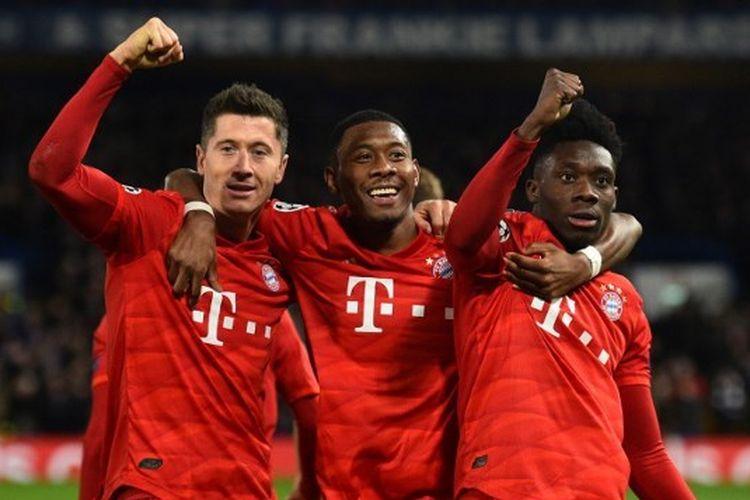 Para pemain Bayern Muenchen merayakan gol mereka ke gawang Chelsea dalam leg pertama babak 16 besar Liga Champions, Kamis (26/2/2020) dini hari WIB.