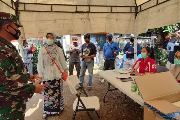 Kodim 0501 Jakarta Pusat mengggelar rapid test massal di kelurahan Petamburan, Tanah Abang, Jakarta Pusat, Jumat (27/11/2020).