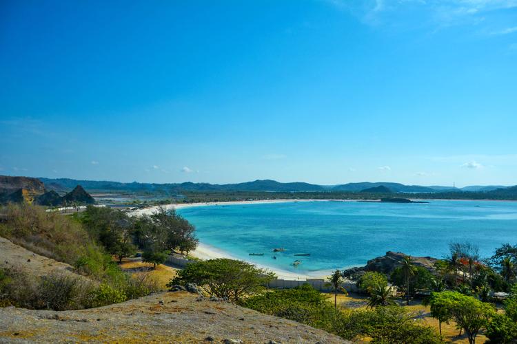 Pantai Tanjung Aan, spot menarik di Mandalika.