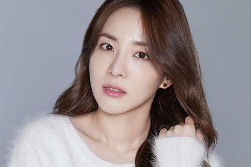 Sandara Park Tinggalkan YG Entertainment Setelah 17 Tahun Bergabung