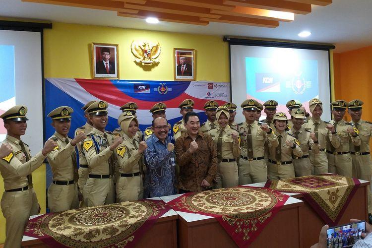 Para taruna STIP Marunda menyaksikan penandatanganan nota kesepahaman kerja sama antara PT Karya Citra Nusantara dengan STIP Marunda, Jumat (22/11/2019)