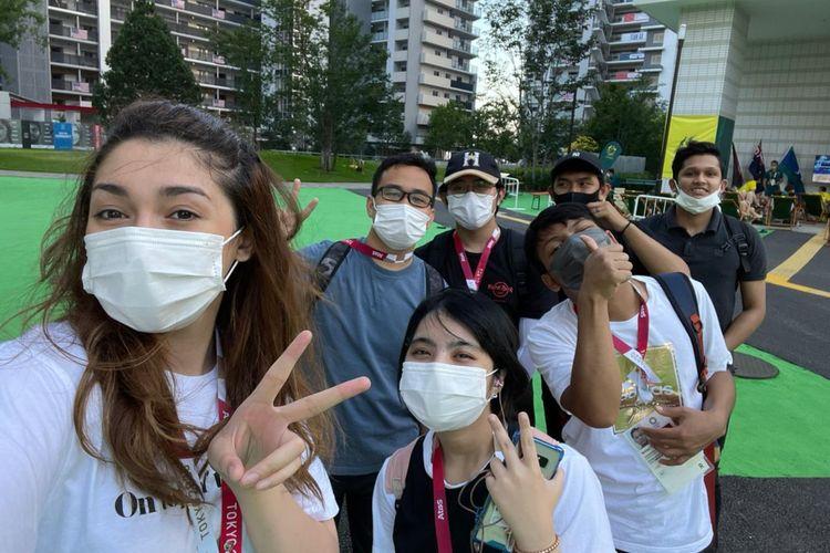 Nasya Abeba dan relawan WNI yang bertugas di Athlete Village untuk memastikan kebersihan kamar atlet di Olimpiade Tokyo 2020.