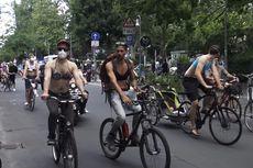 Ratusan Wanita dan Pria Telanjang Dada Turun di Jalanan Berlin Serukan Kesetaraan
