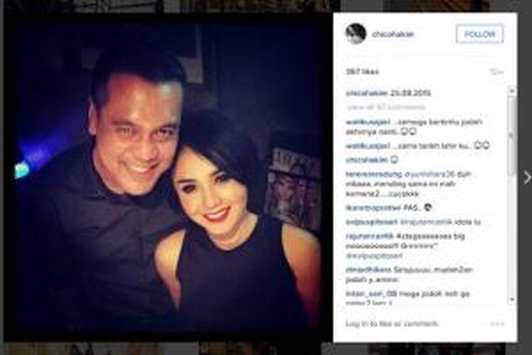 Yuni Shara mengabadikan kebersamaanya dengan Cyril Raoul Hakim.
