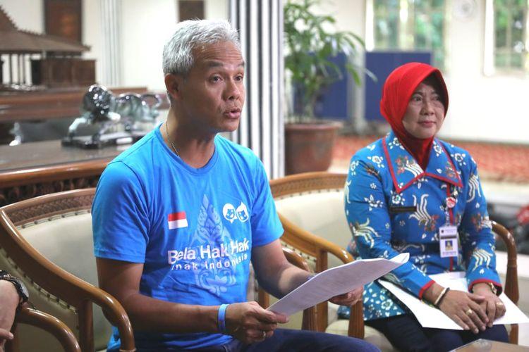Gubernur Jawa Tengah Ganjar Pranowo saat menetapkan UMK  tahun 2020 pada 35 Kabupaten/Kota se-Jawa Tengah di Puri Gedeh Semarang, Rabu (20/11/2019)