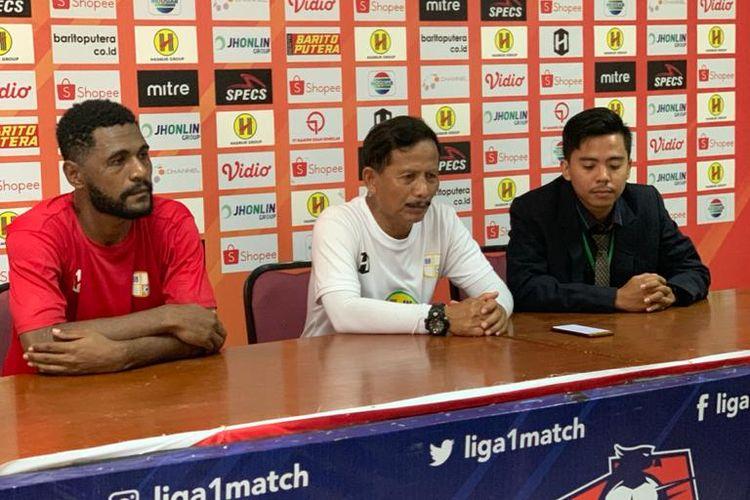Pelatih Barito Putera, Djajang Nurjaman memberikan keterangan pers jelang laga melawan PS Sleman, Rabu (27/11/2019).