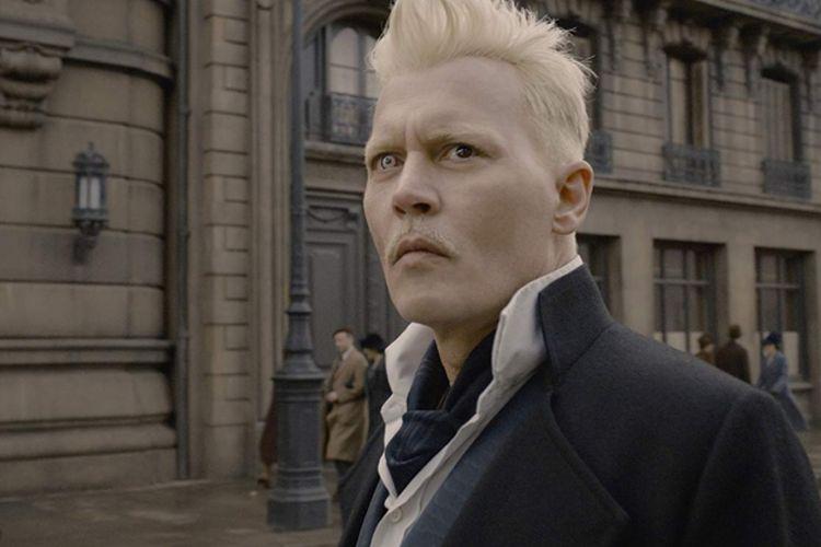 Johnny Depp beraksi dalam Fantastic Beats: The Crimes of Grindelwald