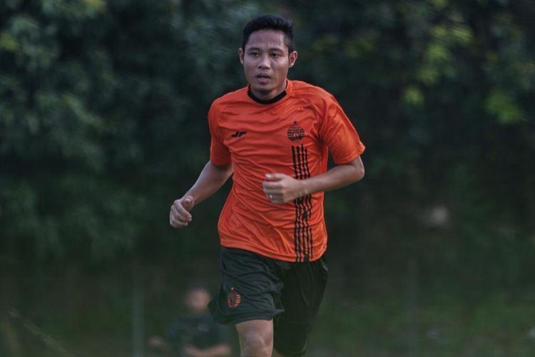 Evan Dimas saat mengikuti sesi latihan bersama Persija Jakarta, Jumat (17/1/2020) sore WIB.