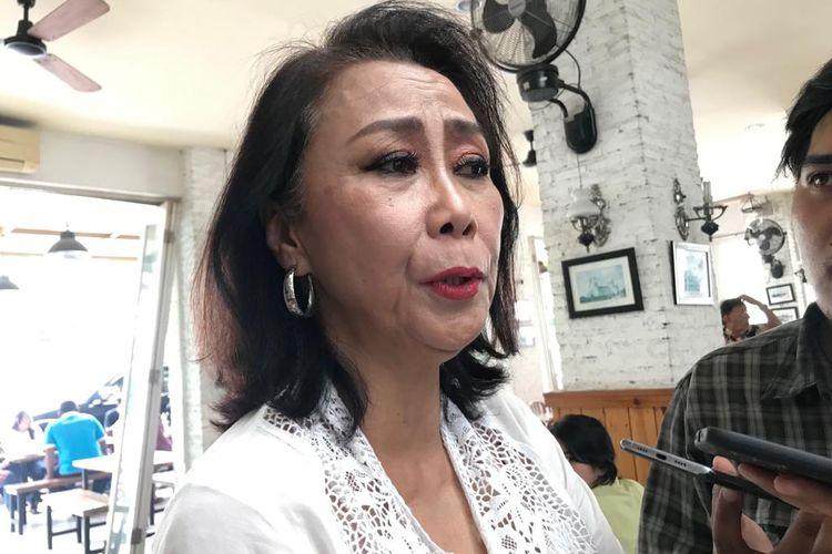 Pakar Tindak Pidana Pencucian Uang (TPPU) Yenti Garnasih ketika ditemui di Warung Komando, Tebet, Jakarta Selatan, Minggu (19/1/2020).
