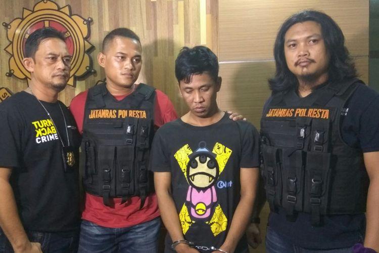 Tersangka Andika, pelaku begal yang berhasil ditangkap tim Jatanras Polresta Pontianak (19/6/3017)