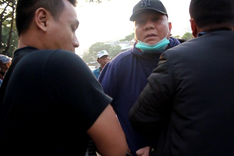 Dokumentasi penangkapan Wisnu Wardhana oleh tim Kejari Surabaya, Rabu (9/1/2019) di Jalan Kenjeran Surabaya