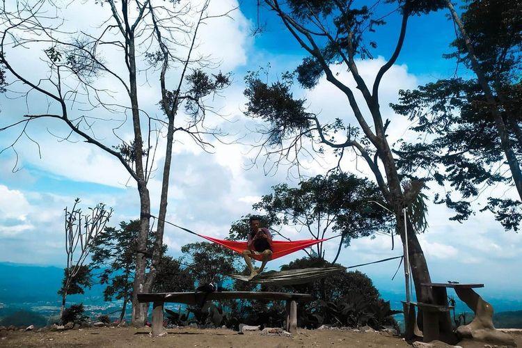 Tempat wisata bernama Bukit Halimun di Kabupaten Bogor (Instagram @bukithalimun).