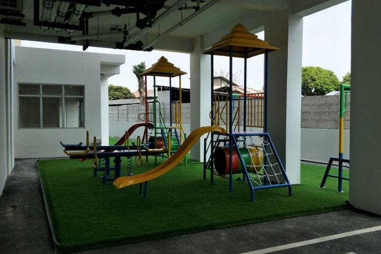 Taman bermain anak di Rusunami DP Rp 0 Pondok Kelapa, Jakarta Timur, Senin (2/9/2019).