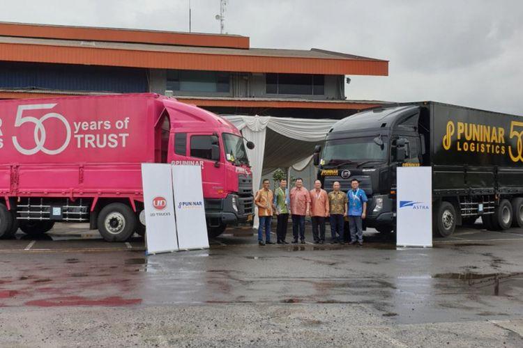 Astra UD Trucks menyerahkan 22 unit Quester CQE 280