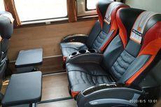 Lebih Enak Kursi Bus Bahan Fabric atau Kulit Sintetis?