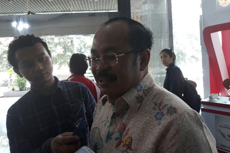 Ketua Ombudsman Republik Indonesia Amzulian Rifai di Kantor Ombudsman, Jakarta, Rabu (9/5/2018).