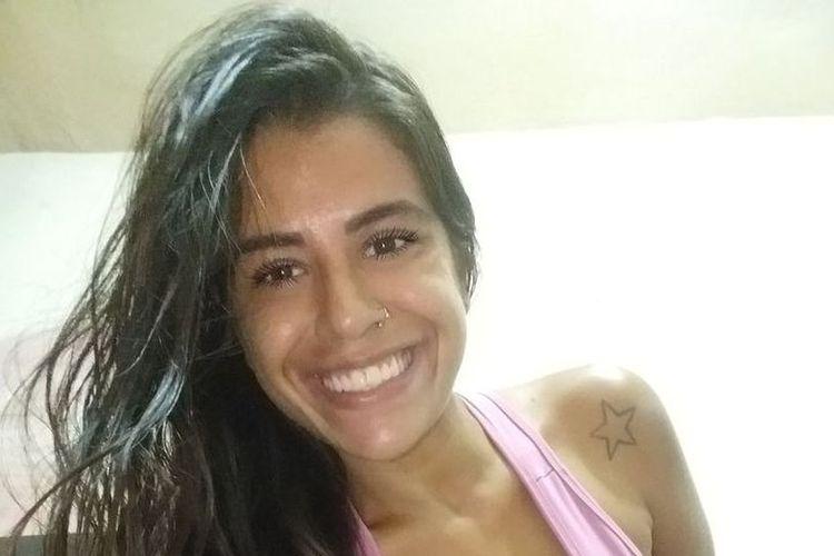 Luane Honorio de Souza Rios. Bintang porno Brasil ini meninggal setelah 3 bulan dirawat di rumah sakit karena ditikam di leher.