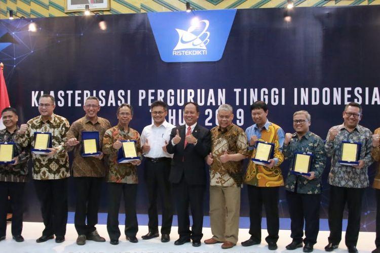 Kemenristekdikti kembali mengumumkan klasterisasi dan pemeringkatan perguruan tinggi Indonesia tahun 2019 pada Jumat (16/8/2019) Gedung D Kemenristekdikti, Senayan, Jakarta.