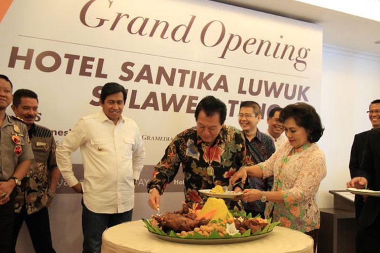 Santika Indonesia Hotels and Resorts menggandeng PT Narata Palu City menghadirkan Hotel Santika Luwuk-Sulawesi Tengah yang diresmikan Sabtu (5/8/2017).