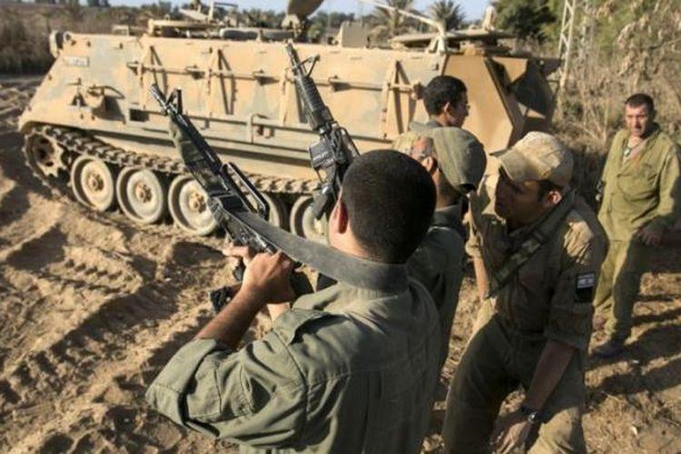 Tentara Israel bersiaga di dekat perbatasan dengan Jalur Gaza, Palestina (foto: ilustrasi).