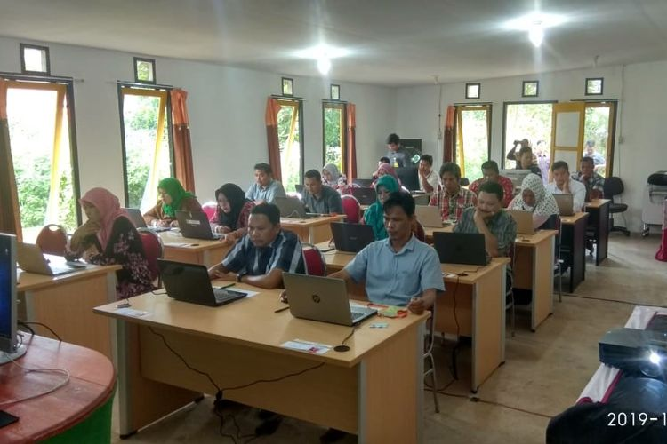 Calon Panwascam Pilkada 2020 di Kepulauan Bangka Belitung mengikuti seleksi online.