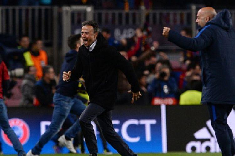 Pelatih Barcelona, Luis Enrique, berlari kegirangan seusai timnya memastikan diri lolos ke perempat final Liga Champions berkat kemenangan 6-1 atas PSG di Camp Nou, Rabu (8/3/2017).