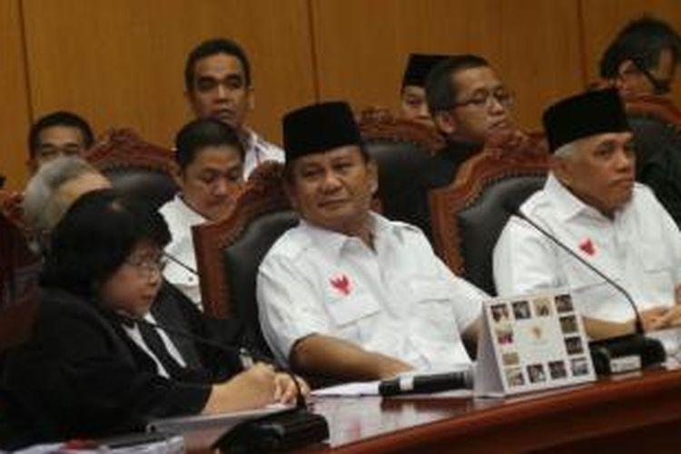 Pasangan Prabowo Subianto-Hatta Rajasa hadir dalam sidang perdana perselisihan hasil Pilpres di Gedung Mahkamah Konstitusi, Rabu (6/8/2014).