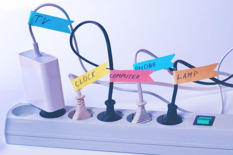 Tak hanya untuk kerapihan rumah, organisasi kabel yang baik juga penting untuk keselamatan penghuninya.
