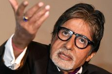Amitabh Bachchan Genap 50 Tahun di Industri Film Bollywood, Anak: Saya Bangga