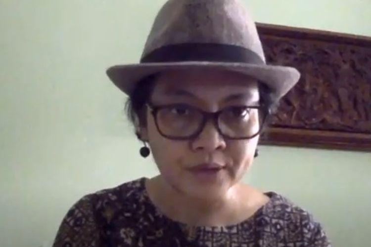 Guru Besar Hukum Tata Negara Universitas Padjadjaran, Susi Dwi Harijanti menjadi narasumber dalam acara webinar Para Guru Besar, Dekan, dan 200-an Dosen dari 67 Perguruan Tinggi Se-Indonesia Menolak Omnibus Law UU Cipta Kerja.