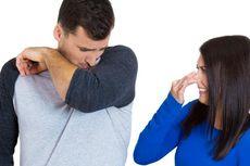 Bingung Menegur Suami Bau Badan atau Bau Mulut? Begini Caranya!