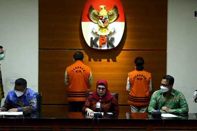 Tangkapan layar keterangan pers penahanan dua tersangka Handoko Setiono dan Melia Boentaran terkait dugaan korupsi di Kabupaten Bengkalis, Jumat (5/2/2021).