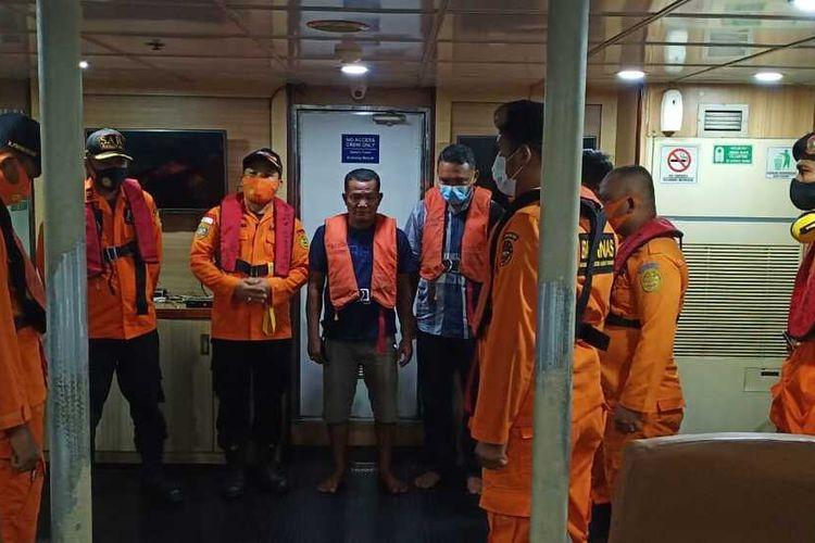 Nakhoda KN SAR Nakula-230 pimpin pencarian penyelamatan dan evakuasi 19 ABK Kapal KM Rejeki Indah Sari GT 30 yang tenggelam di perairan ujung Saroba Pulau Talam, di kawasan Pulau Mursala, Kabupaten Tapanuli Tengah, Sumatera Utara.